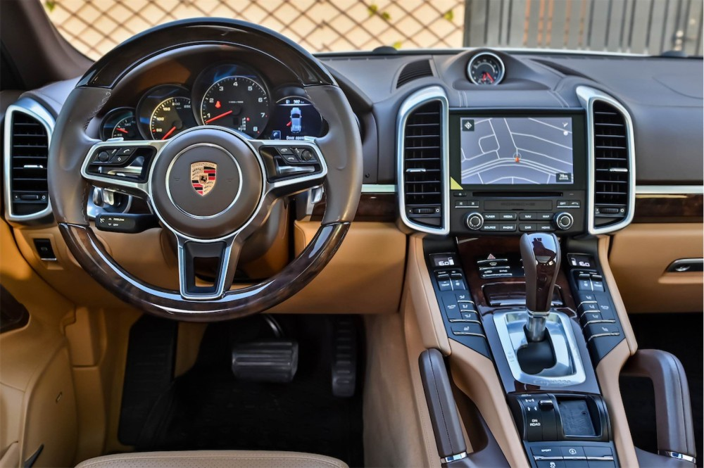 buy pre-owned Porsche Cayenne Platinum Edition with warranty