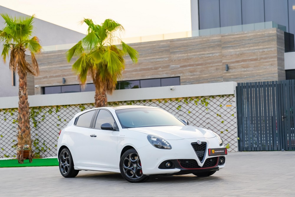 buy slightly used Alfa Romeo Giulietta Veloce without downpayment