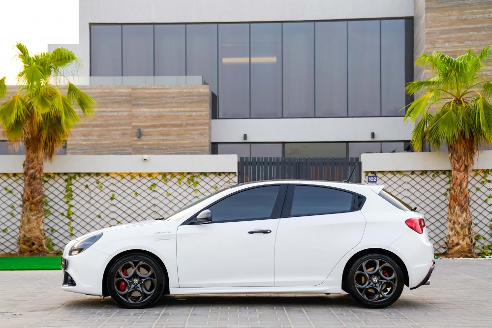 buy used Alfa Romeo Giulietta Veloce without downpayment