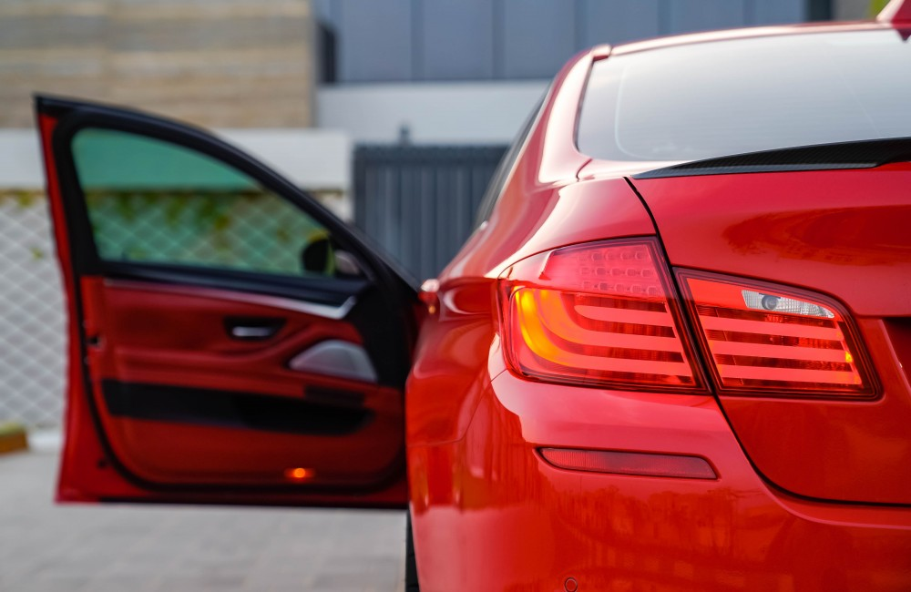 buy second hand BMW M5 without downpayment