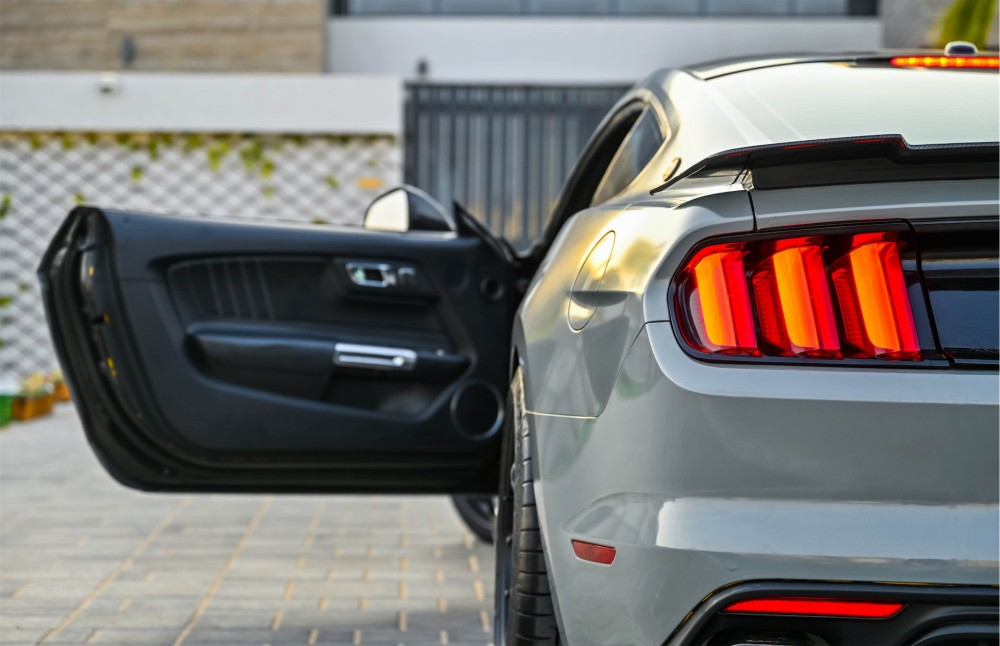 buy slightly used Ford Mustang Shelby Super Snake 750HP without downpayment