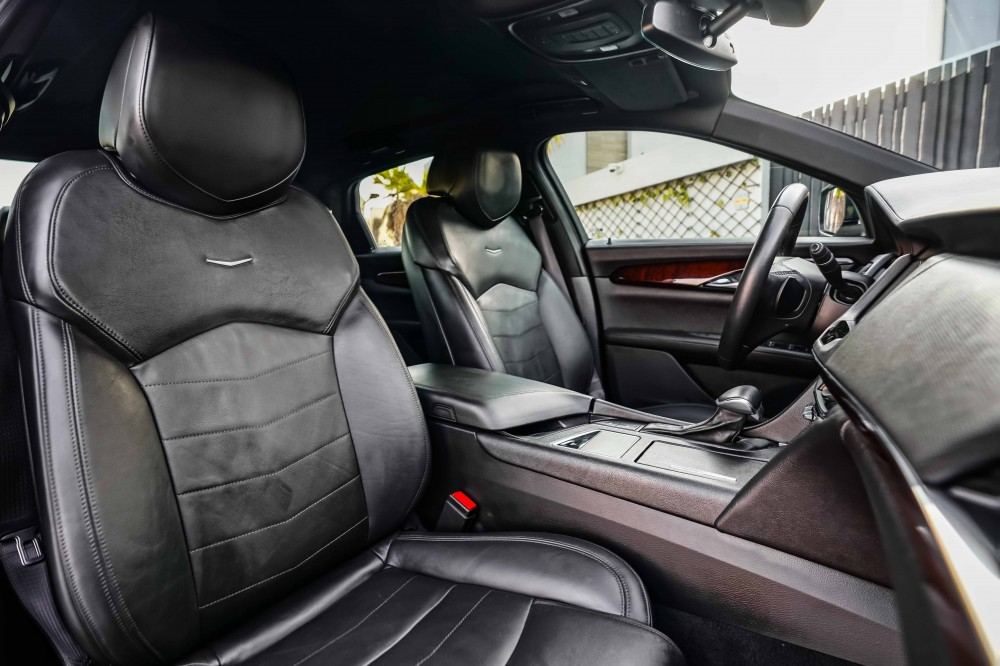 buy pre-owned Cadillac CT6 in Dubai