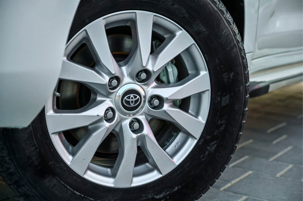 buy approved Toyota Land Cruiser GX-R without downpayment