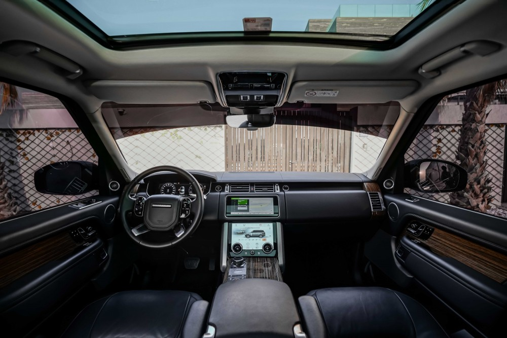 buy used Range Rover Vogue SE with warranty