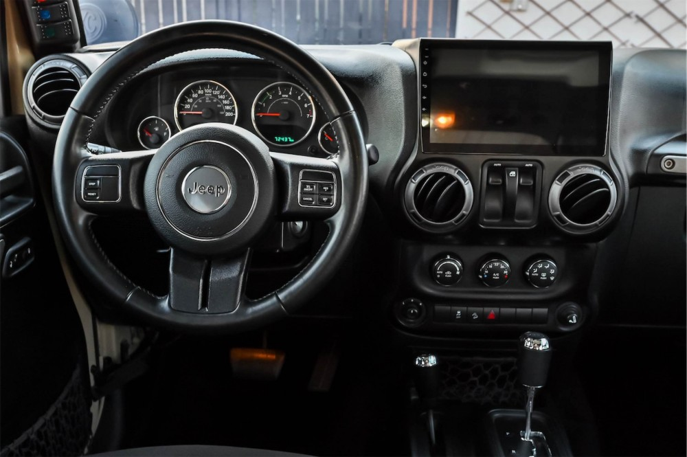 buy second hand Jeep Wrangler Willys Edition with warranty