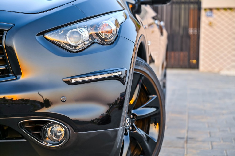 buy approved Infiniti QX70 S with warranty