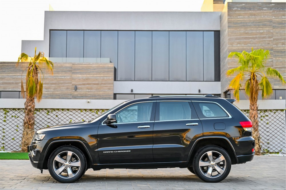 buy approved Jeep Grand Cherokee Overland 5.7L with warranty