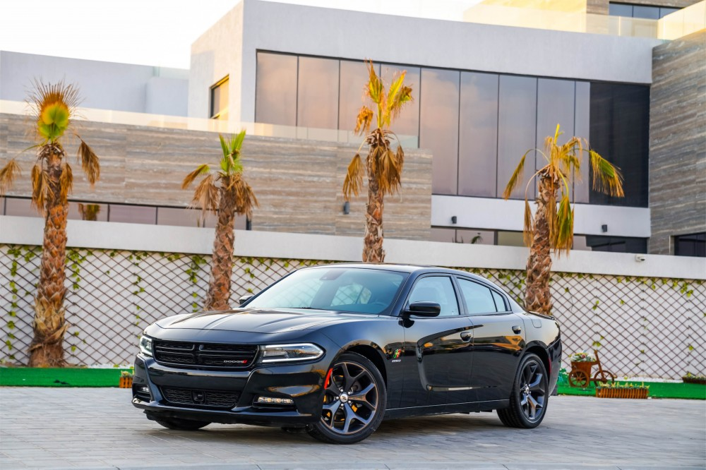 buy used Dodge Charger R T 5.7L Hemi in UAE
