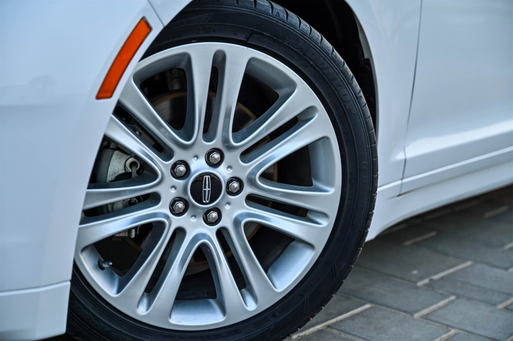 buy certified Lincoln MKZ Ecoboost in UAE