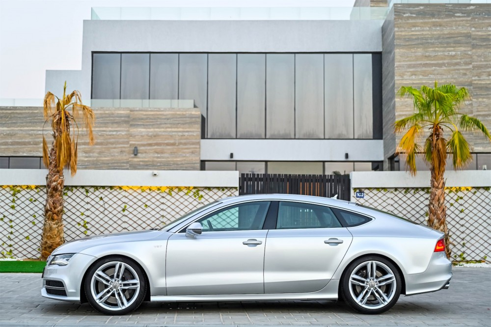 buy second hand Audi S7 4.0L with warranty