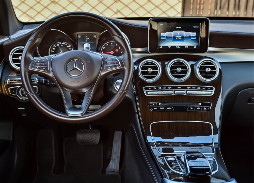 buy slightly used Mercedes-Benz GLC250 4Matic without downpayment