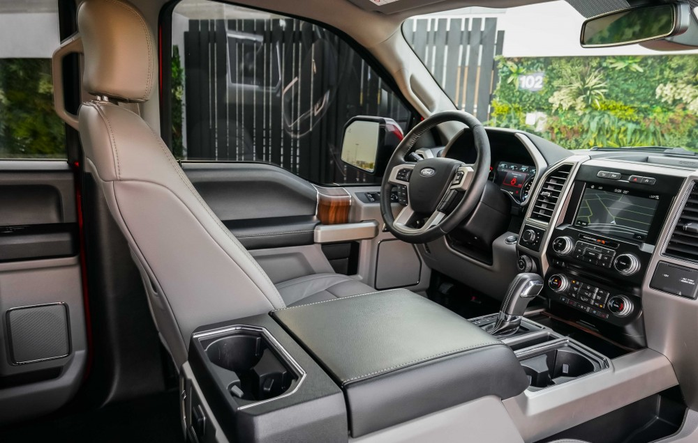 buy approved Ford F-150 Lariat Ecoboost Double Cabin in UAE