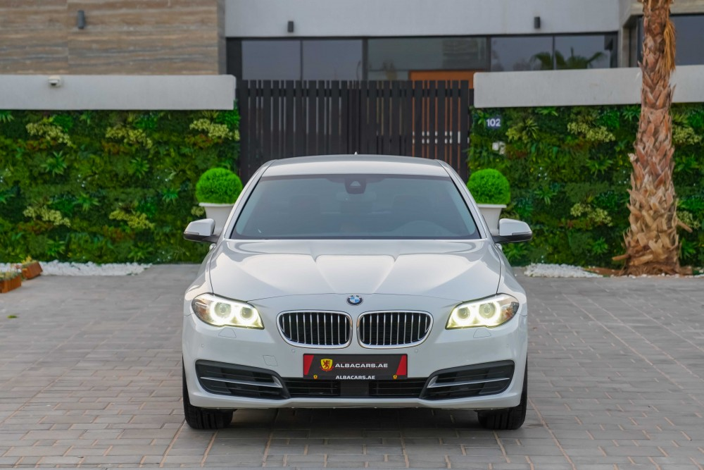 buy second hand BMW 520i in UAE