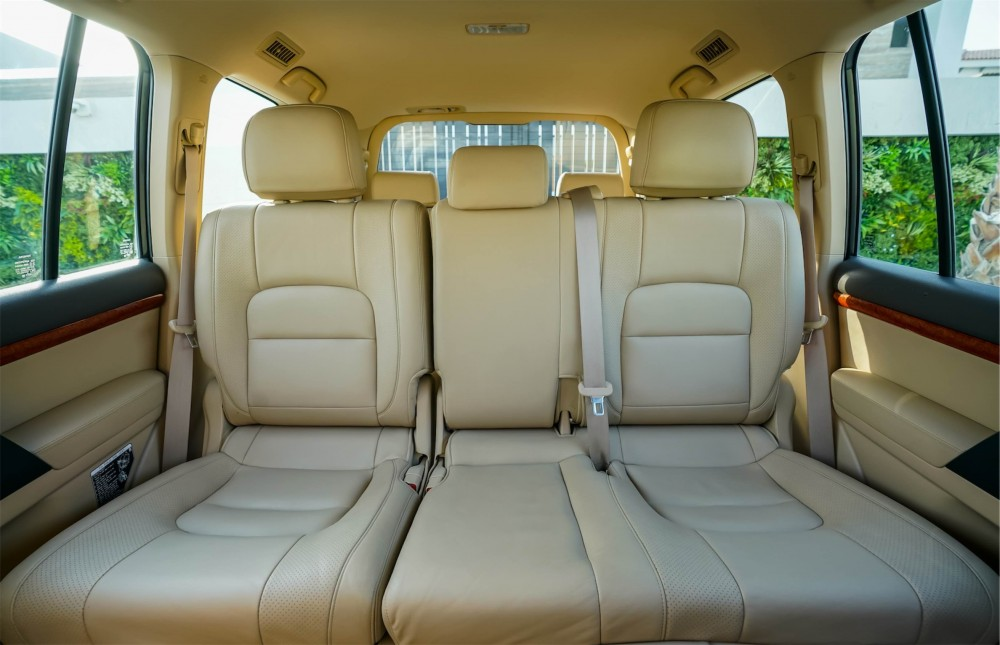 buy pre-owned Toyota Land Cruiser with warranty