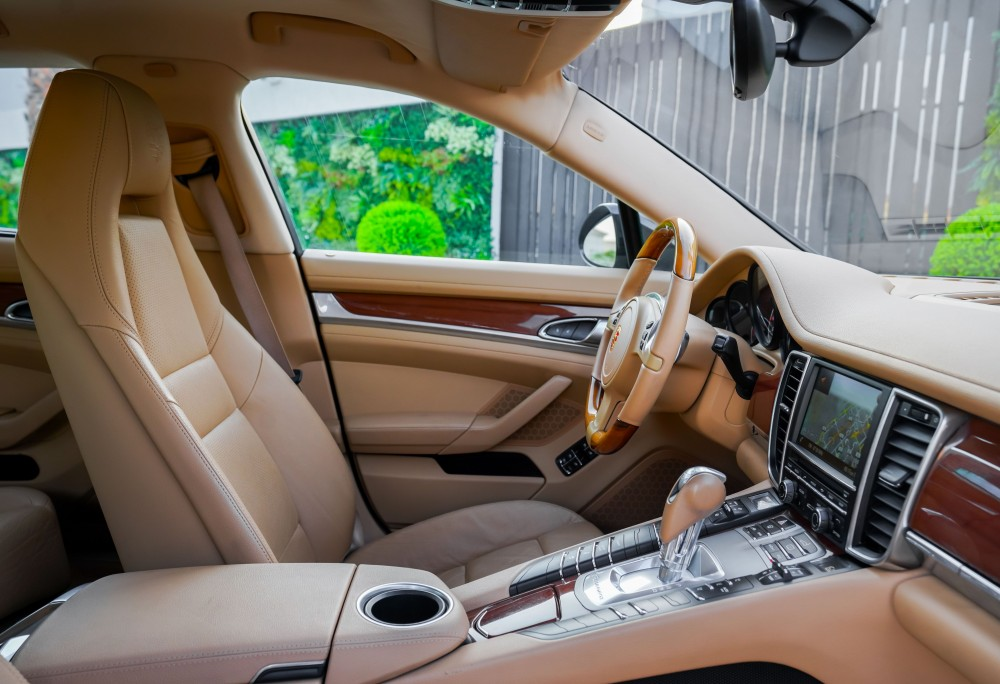 buy approved Porsche Panamera in UAE
