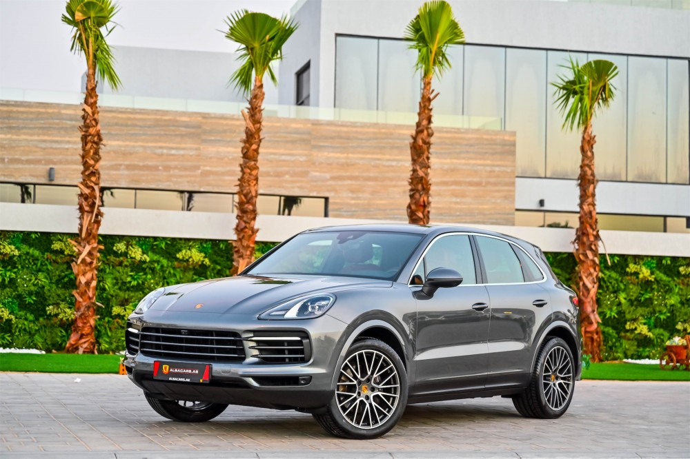 buy pre-owned Porsche Cayenne - Chrono Package in Dubai