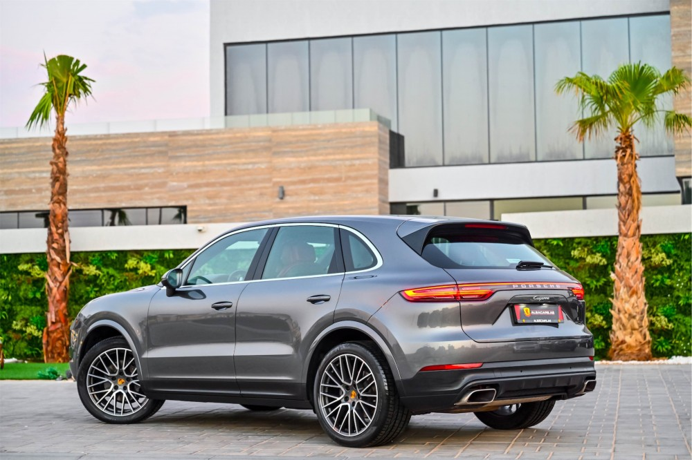 buy approved Porsche Cayenne - Chrono Package in UAE