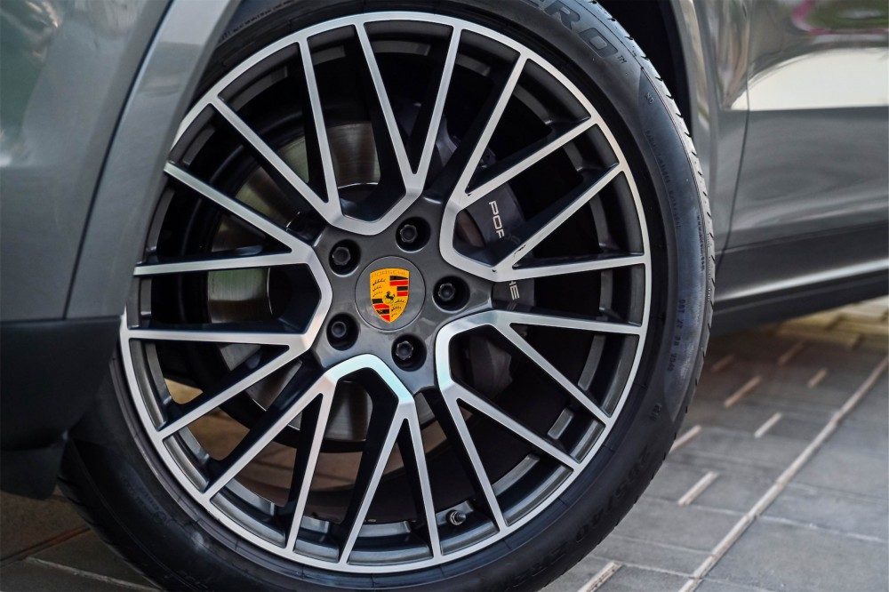 buy used Porsche Cayenne - Chrono Package in UAE