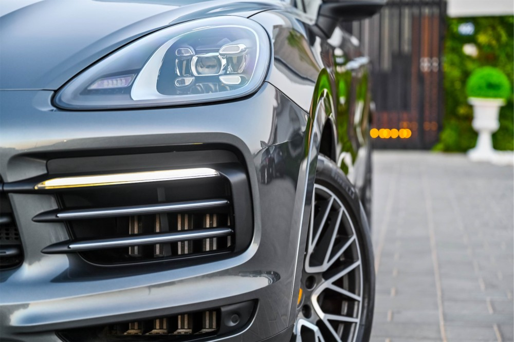 buy second hand Porsche Cayenne - Chrono Package without downpayment