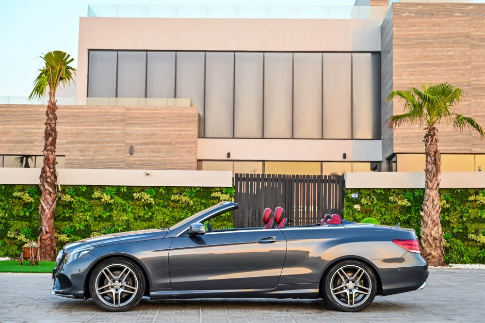 buy second hand Mercedes-Benz E250 Convertible without downpayment