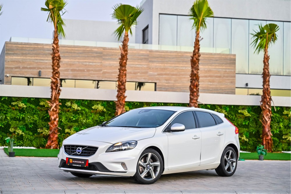buy second hand Volvo V40 T5 R-Design with warranty