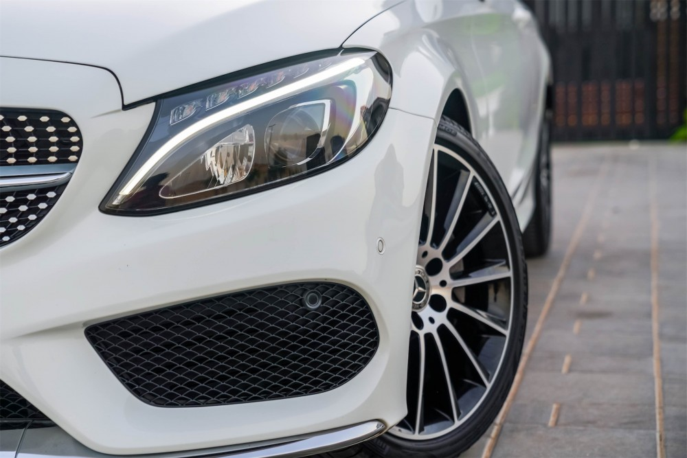 buy used Mercedes Benz C200 Coupe in UAE