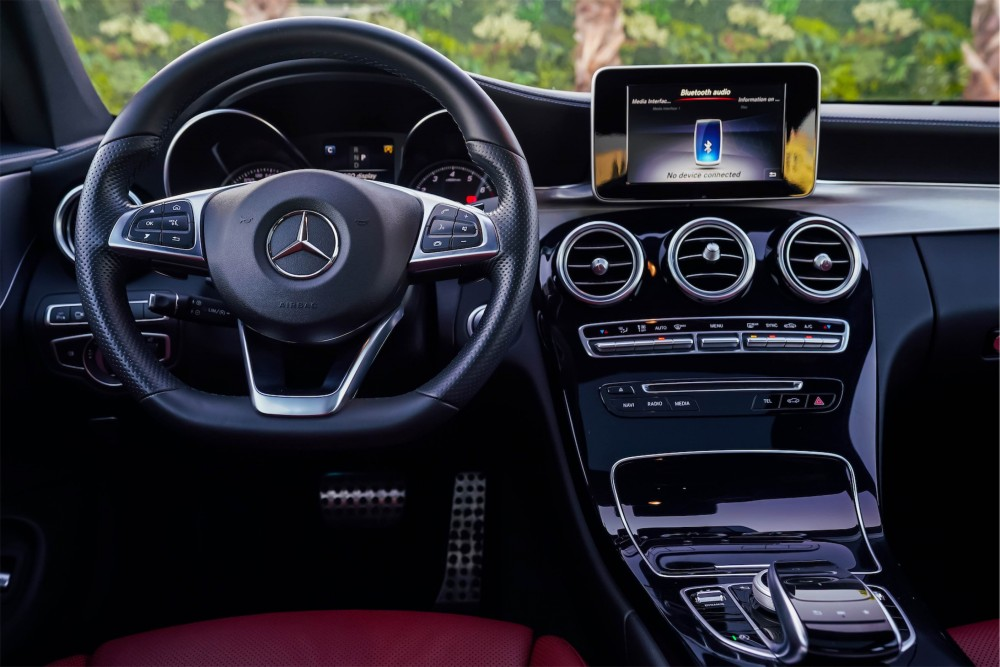 buy second hand Mercedes Benz C200 Coupe in UAE