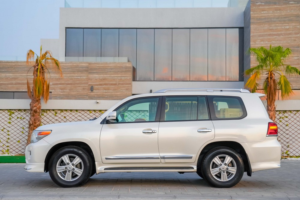 buy second hand Toyota Land Cruiser GXR without downpayment