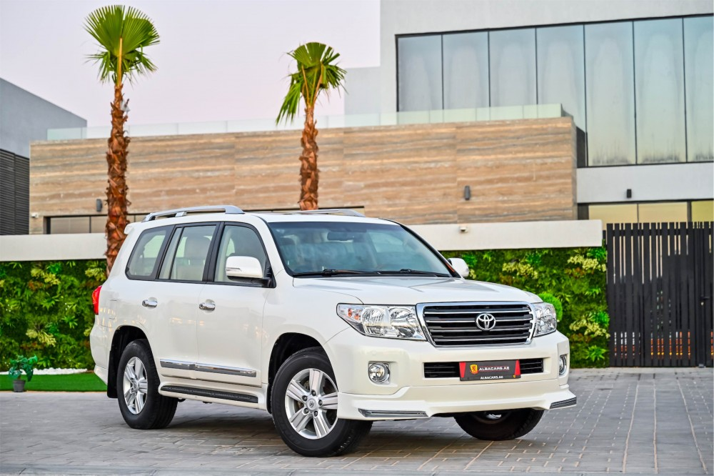 buy pre-owned Toyota Land Cruiser GXR with warranty