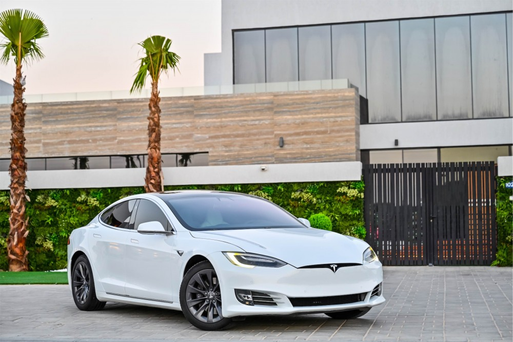 buy second hand Tesla Model S 75D without downpayment