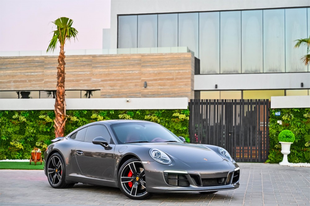 buy approved Porsche 911 Carrera S with warranty